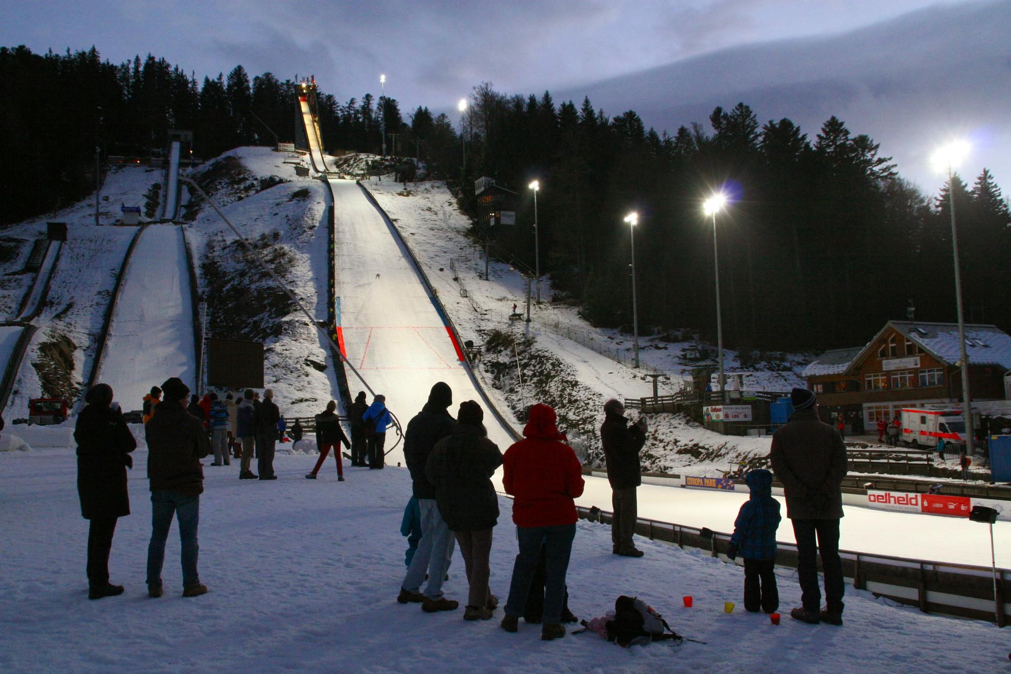 Adler-Skistadion Hinterzarten Winter Abend